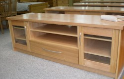 Small Single Drawer Console with Inner Drawer and Outer Doors