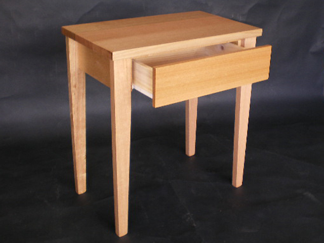 Small Console Table with Drawer 640 x 480